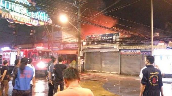 Des millions de dommages attendus pour une boutique d'un tailleur sur Bangla en feu