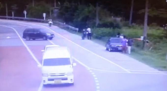 Freinez! Un double crash incite les automobilistes de Phuket à ralentir