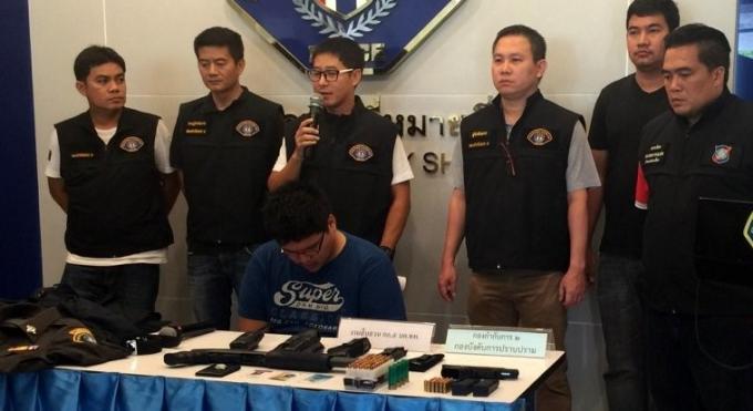'Stam' le faux policier arrêté à Phuket, nie les rackets de Patong