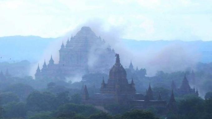 Un mort et des dizaines de temples endommages après qu'un puissant séisme ait frappe Myanmar