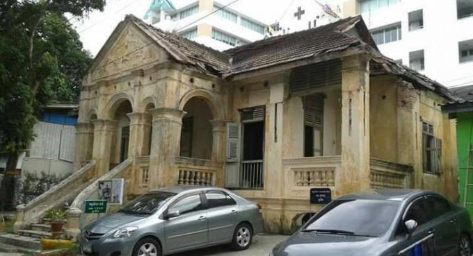 Les officiels en charge de la culture se battent pour sauvegarder une maison sino-portugaise typique