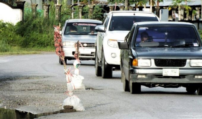 Les habitants de Phuket en ont marre de l'inaction des autorités, prennent les devants