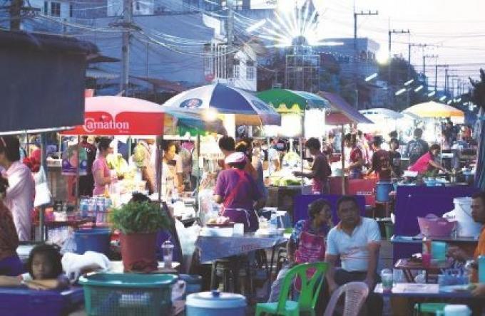 Vue de l'île: Les vendeurs au détail indépendants