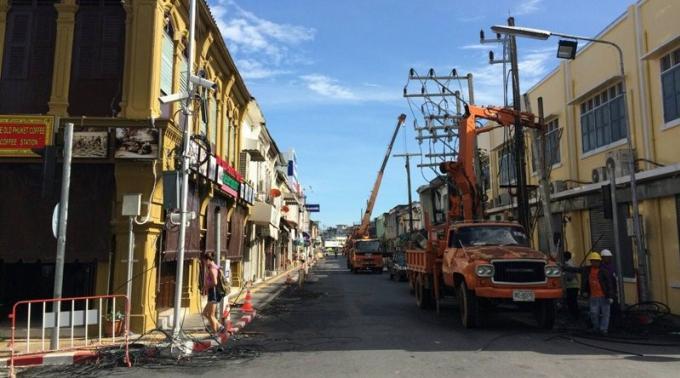 Phuket Town va enterrer de plus en plus de lignes électriques