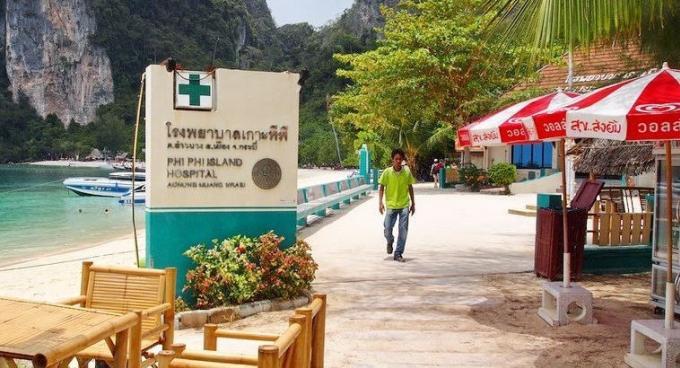 Un chinois de 66 ans, sorti inconscient de l'eau, meurt peu de temps après