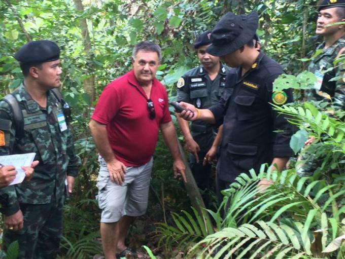 La police recherche le 'propriétaire', non officiel mais qui paye les taxes, de 20 rai de terra