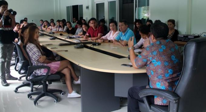 Des commerçants mécontents portent plainte contre le 'flop' du marché flottant de Phuket