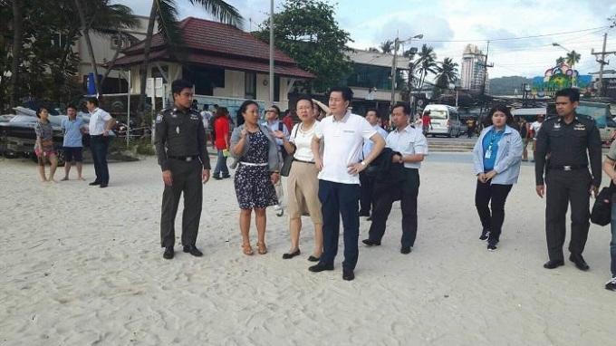 Le 'zero dollar tourism' dans la ligne de mire des autorités
