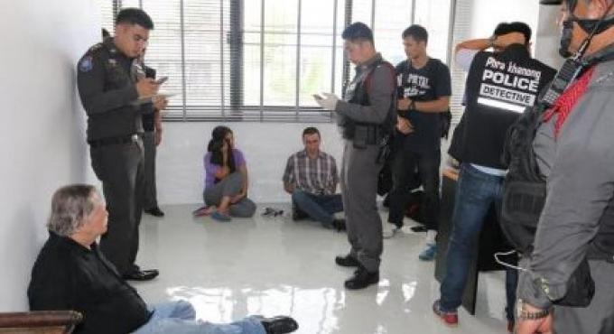 Un étranger sans tête trouvé dans un congélateur à Bangkok lors d un raid pour faux passeports
