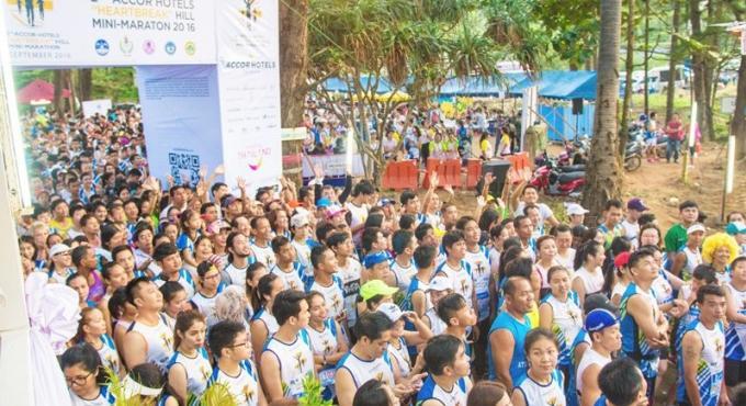 La course caritative 'Heartbreak Hill' lève 400,000 baths de fonds