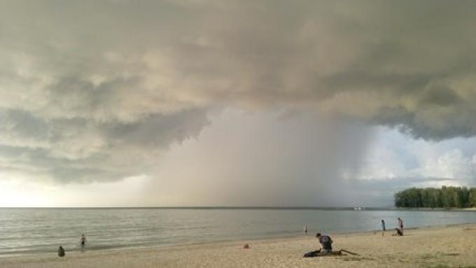 Après la pluie… vient le temps de surfer