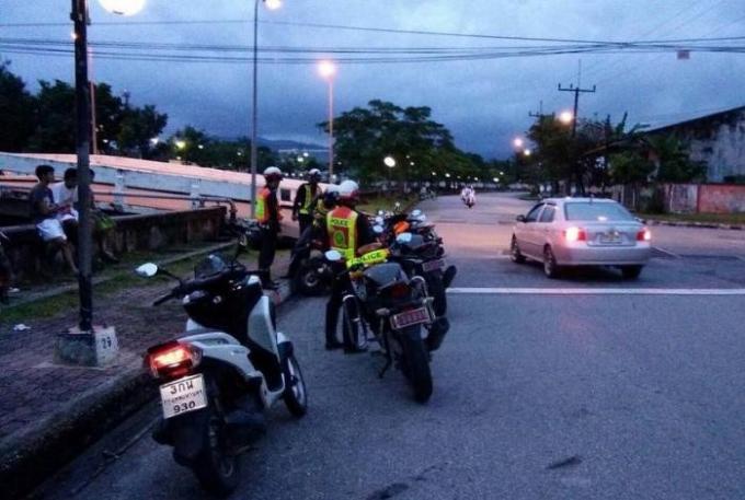 La police attrape les ados adeptes de courses de rue