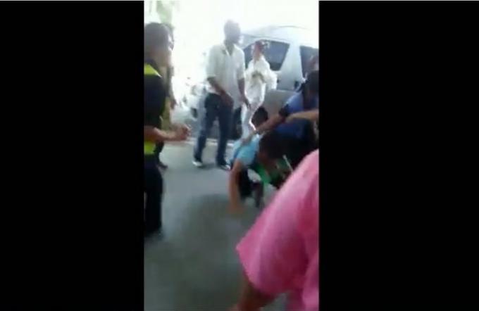 Une bagarre entre chauffeur de taxi qui devient virale
