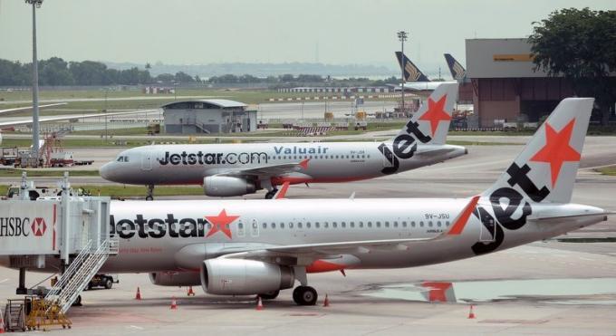 Jetstar songe à bannir les australiens qui se sont battus à bord du vol les ramenant de Phuket