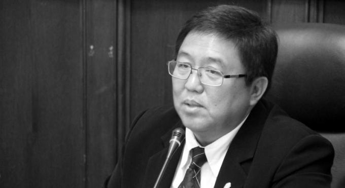 Le gouverneur de Phuket ordonne aux officiels de faire respecter strictement le deuil national