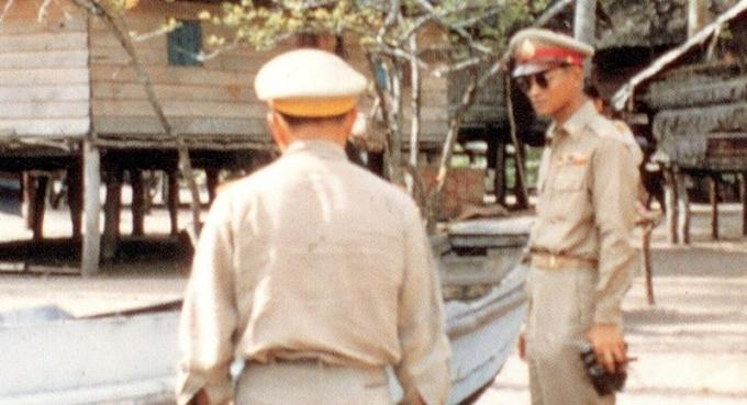 Roi Bhumibol, les 'sea gypsies' de Rawai rendent hommage, se souviennent…