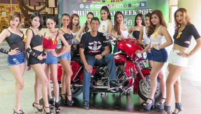 Les 12 participants aux concours de beauté Phuket Big Bike Week 2015