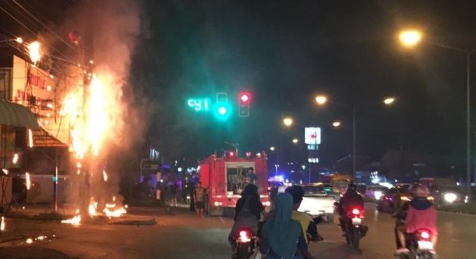 Deux incendies électriques occupent les pompiers de Phuket a Talang