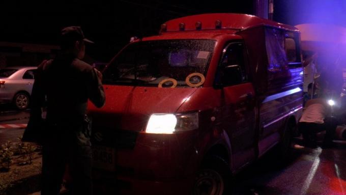 Deux suspects arrêtés pour le meurtre du 'chef des tuk-tuk'