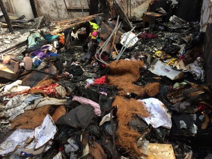 Solidarité envers la famille dont la propriété a été ravagée par les flammes