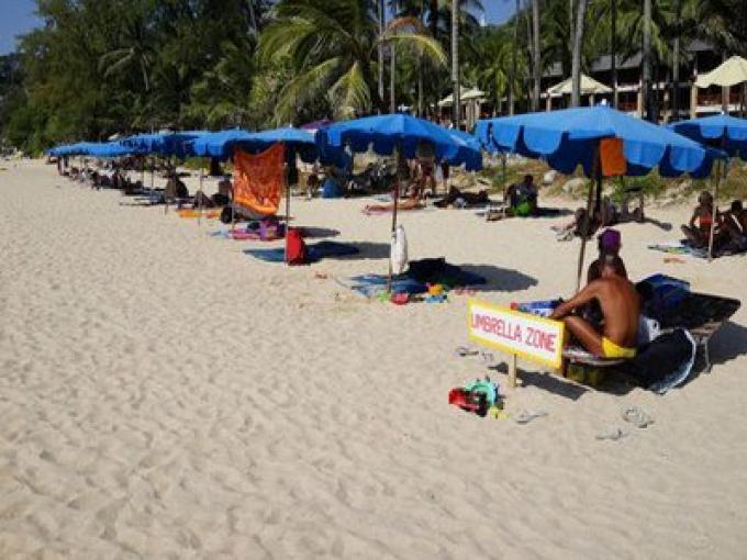 Les meilleures plages de Phuket sont tués par les décisions insensibles
