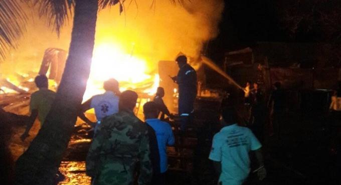 Cinq habitations détruites par les flammes à Phuket