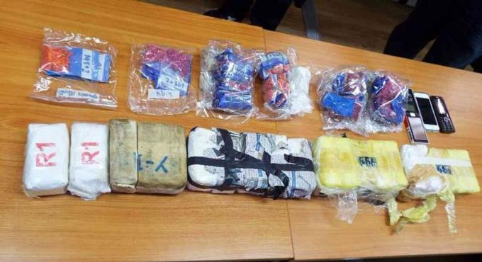Un raid anti-drogue conduit à l'arrestation d'un dealer, deux autres s'échappent