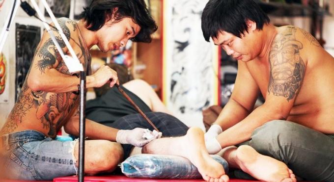 La spiritualité artistique du Sak Yant – le tatouage traditionnel thaï