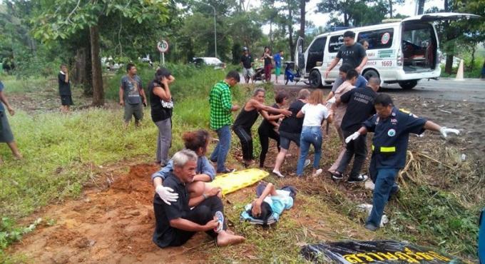 Un mort et vingt blessés dans l'accident du car reliant Surat Thani-à Phuket