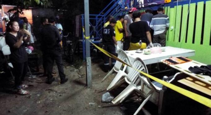Un peintre de bateau poignarde à mort par son colocataire