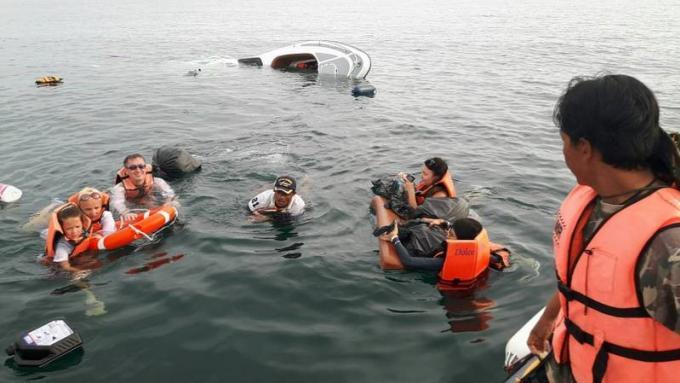 Une famille russe secourue après le naufrage d'un speedboat