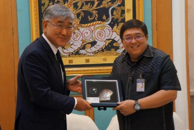 L'ambassadeur de Corée du Sud et le gouverneur de Phuket discutent technologie et sécurité