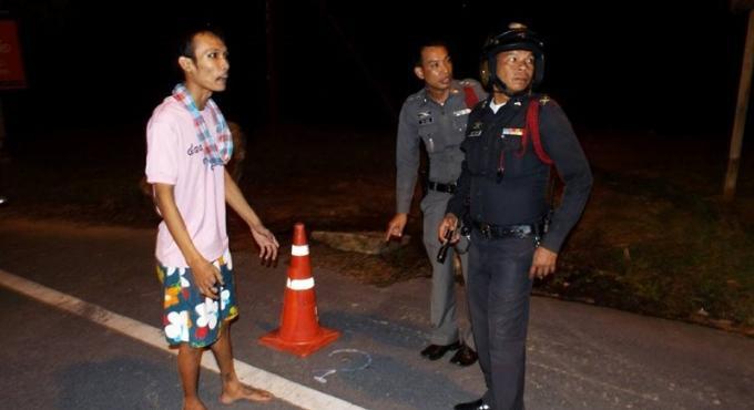 Le fils d'un policier abattu pour une dette de 500 baths