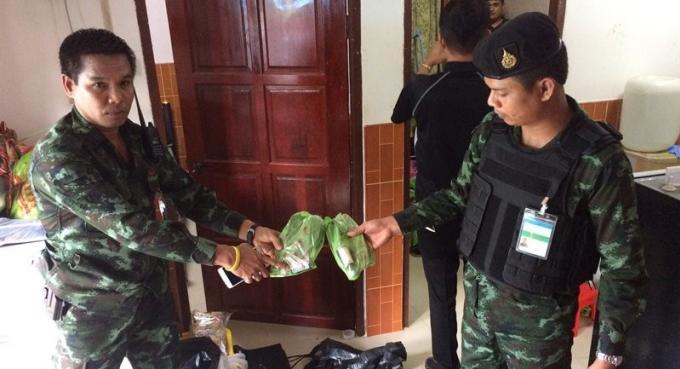 Arrestation d'une femme de 74 ans en possession de plus de 50 kilos de kratom