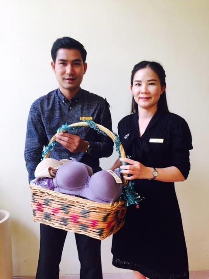 Grande collecte de soutiens gorges à Phuket