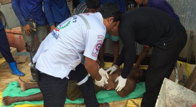 Un birman hospitalisé après avoir reçu un choc électrique sur un chantier de construction