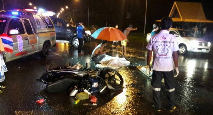 Un homme écrasé sous un car