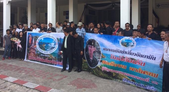 Les associations de guides et de cars de Phuket se plaignent à nouveau de destructions d'emplois
