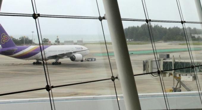 Un vol Thai Airways bloque au sol après des détonations dans un moteur au décollage