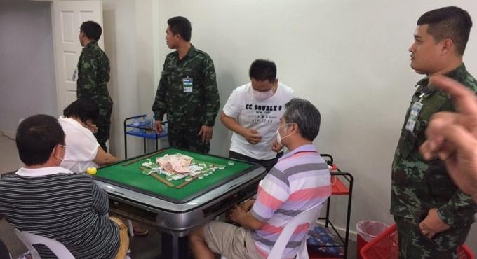 Le 41eme cercle armé arrête 11 joueurs de mahjong à Phuket