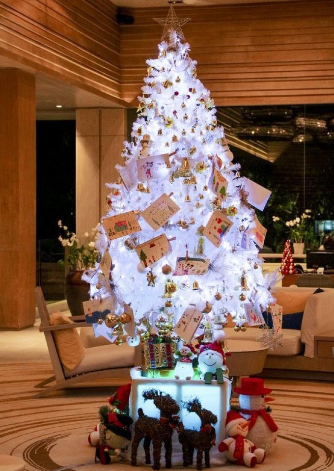 Des cartes de Noel pour la bonne cause en vente chez Amari