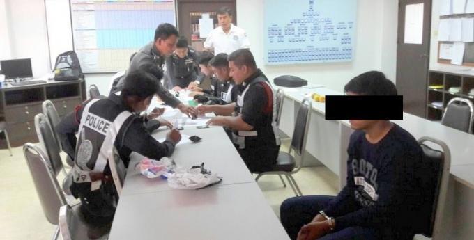 Un individu arrêté avec des sachets de meth a la gare routière de Phuket
