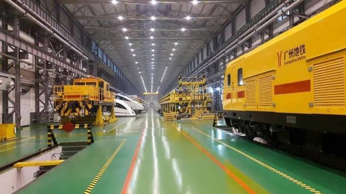 La visite du gouverneur de Phuket en Chine dévoile les options pour le futur tram