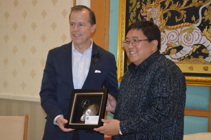 L'ambassadeur américain en visite à Phuket