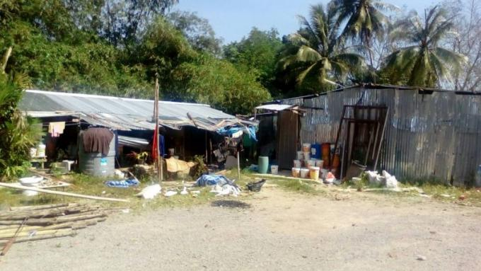 Une femme touchée par une balle perdue tirée par deux ados voulant vendre de la meth a un birman