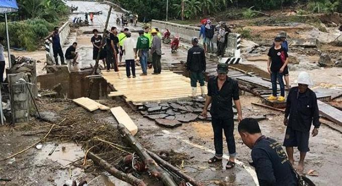 Réponse nationale aux inondations, un jour trop tard et un dollar trop court