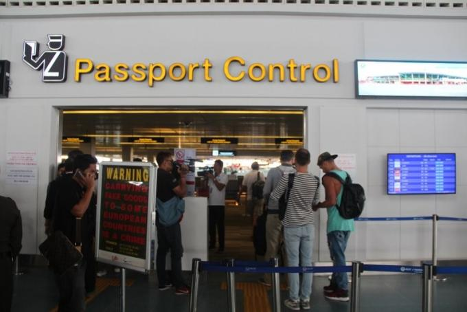 Le chef des services de l'immigration déclare la fin des files d'attente à l'aéroport de Ph
