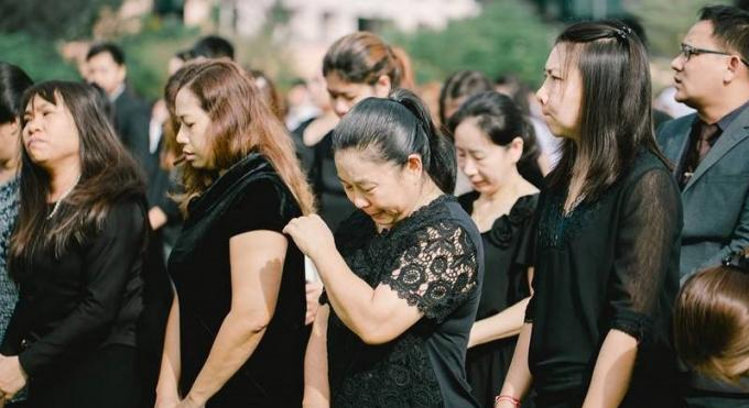 Phuket célèbre les 100 jours depuis la mort du Roi