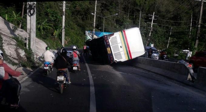 16 blessés dans un accident de car a Kata