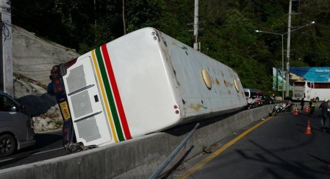 16 indiens légèrement blessés dans un accident de car à Phuket